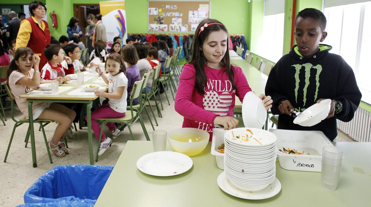 Os comedores escolares ensinarán esta semana o que come un neno con ...