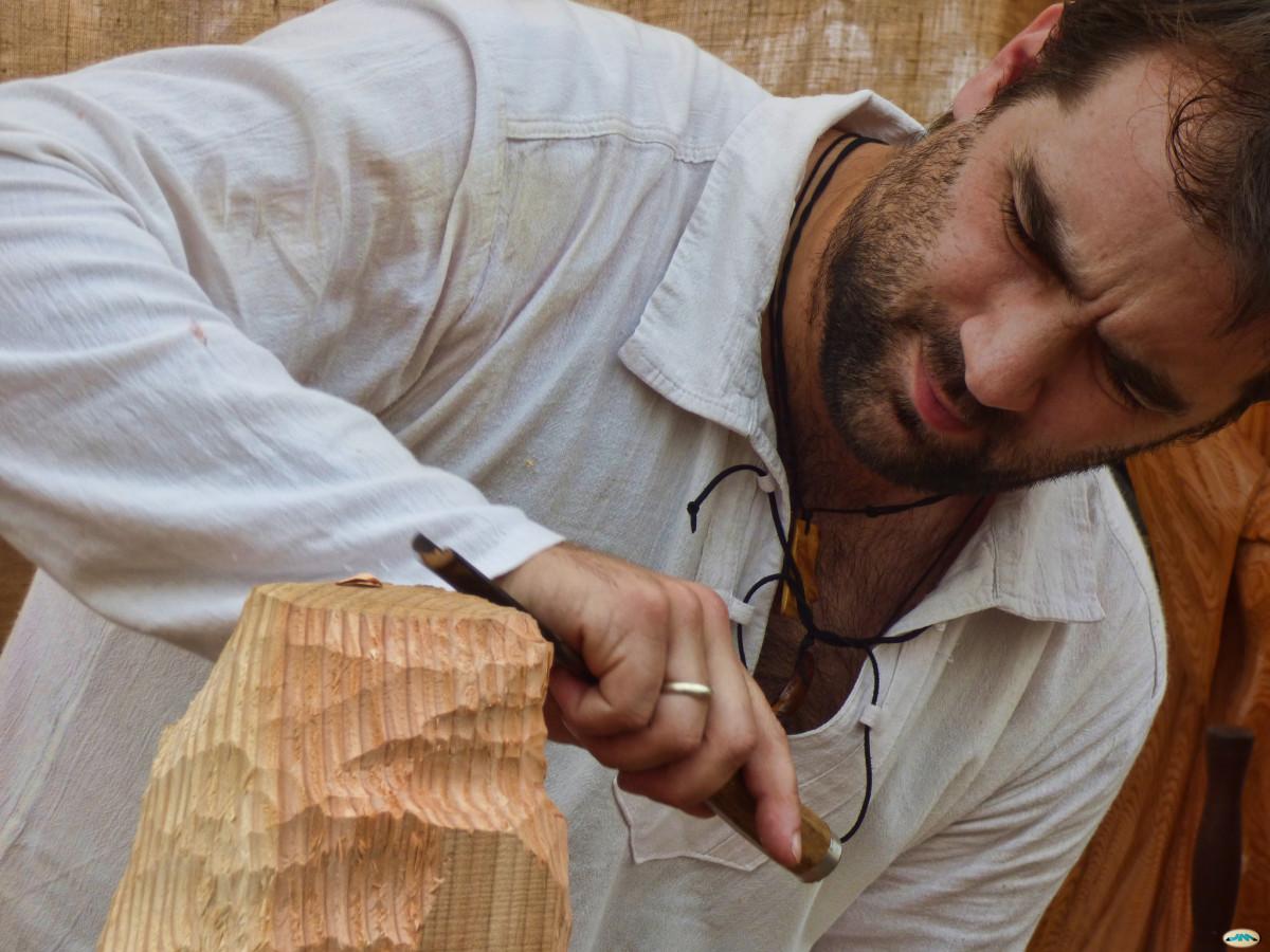 tallando madera La Feria Tradicional De La Pedreira En A Lama Vuelve Con El