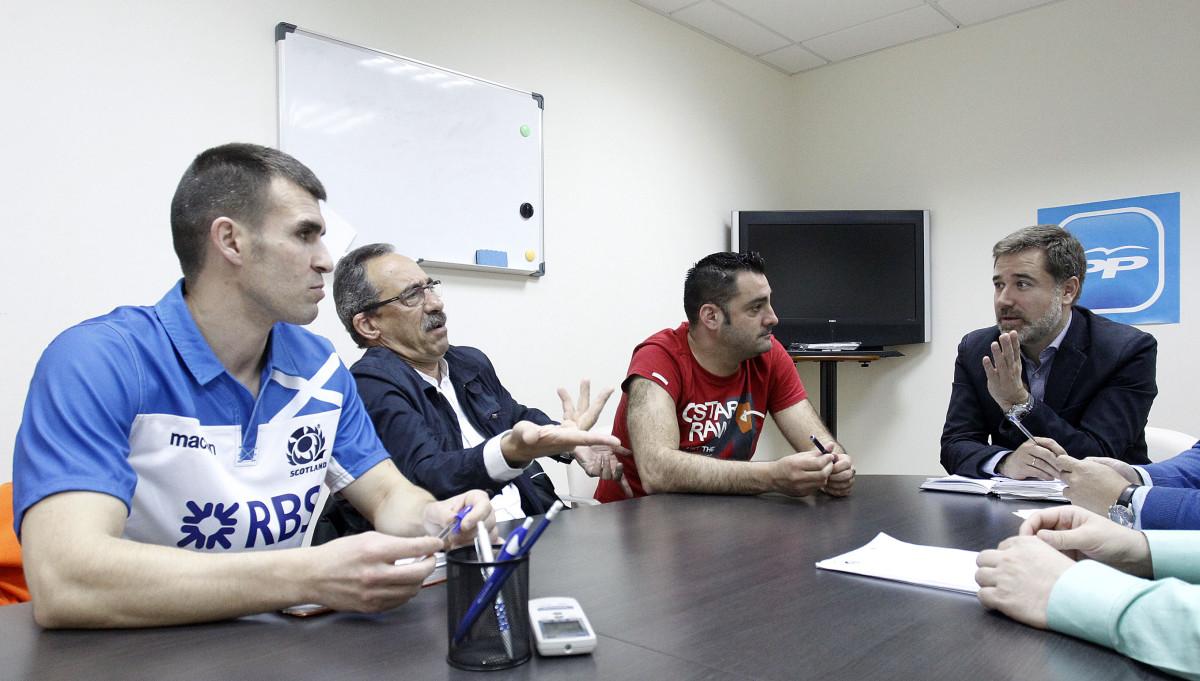 Moreira promete equiparar as condici ns laborais das for Piscina campolongo