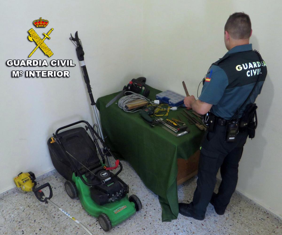 Detenido por robar euros en herramientas y material - Material de jardineria ...