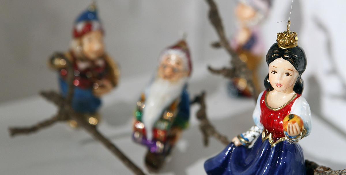 Ampl an as visitas guiadas a 39 sopros do nadal 39 ante o - Adornos de nadal ...