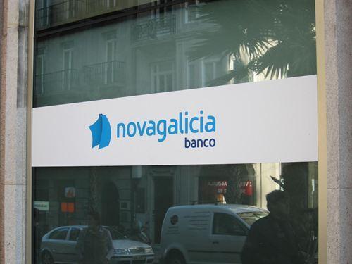novagalicia banco pecha as oficinas de paseo de col n a