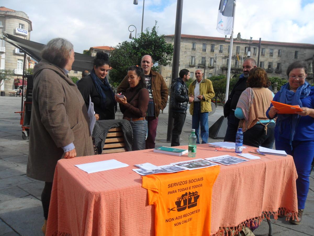 A asociaci n boa vida crea unha oficina de dereitos for Novagalicia horario oficinas