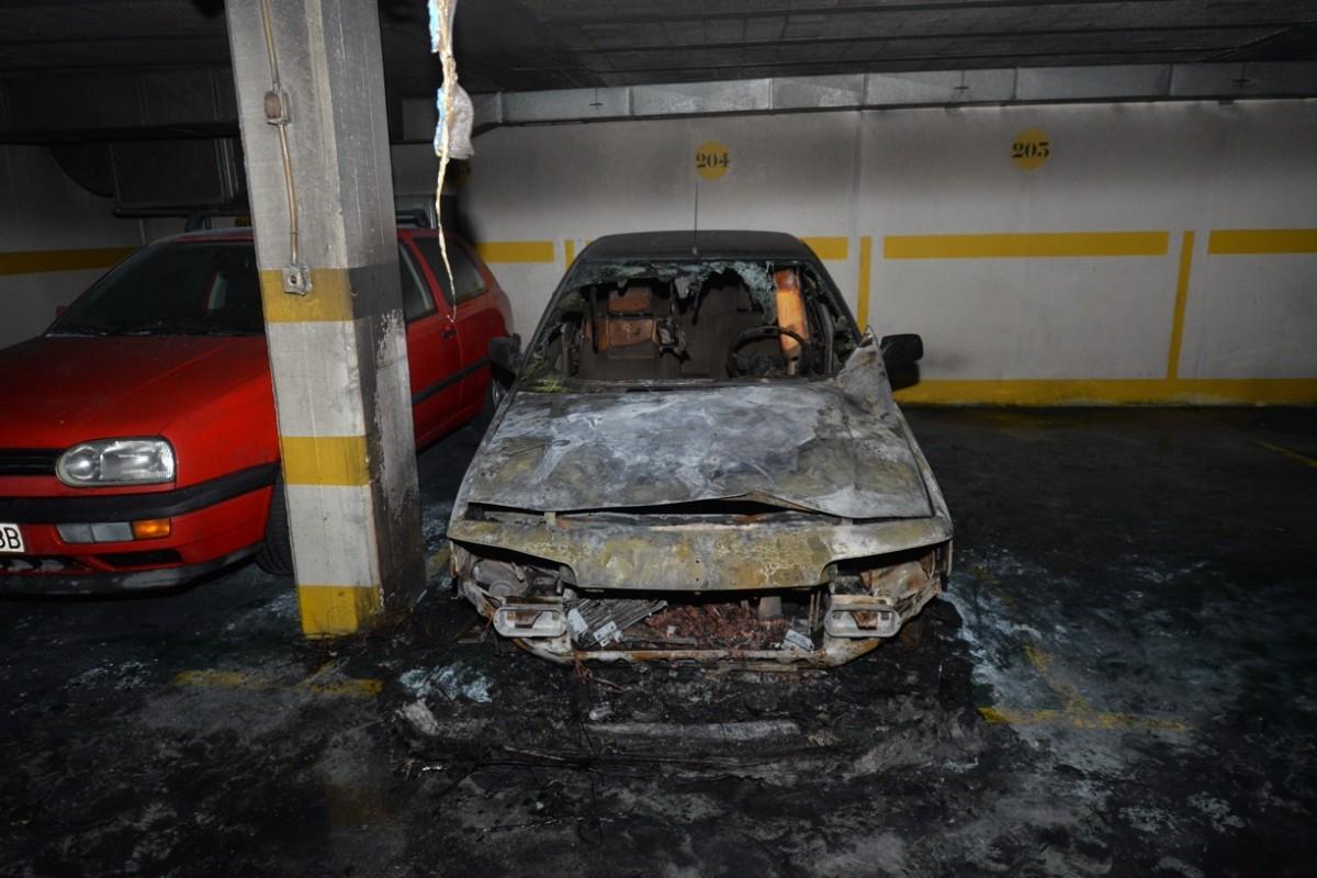 Susto en augusto gonz lez besada tras incendiarse un coche - Garaje de coches ...