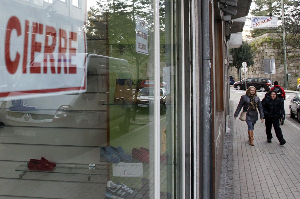 2ca830358ce Nuevos cierres de negocios en San Antoniño   Esta calle se muere ...