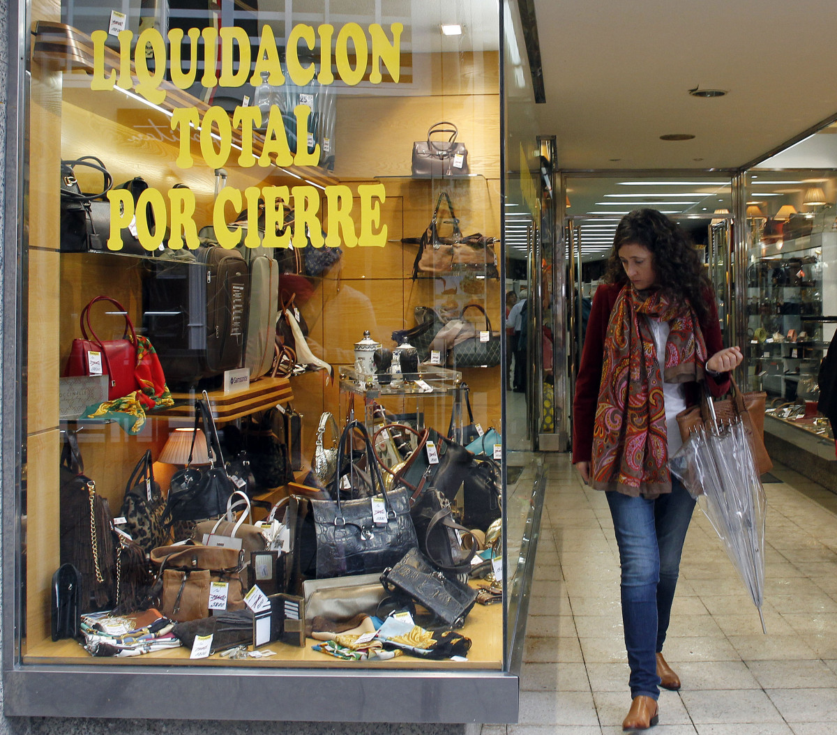 Barros hace las maletas por jubilaci n pontevedra viva - Liquidacion cocinas por cierre ...