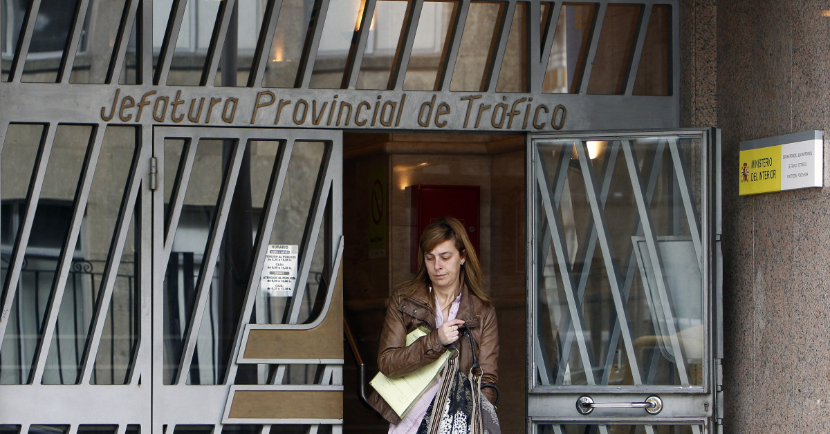 Falsifica la firma de un fallecido para comprar un coche - Jefatura provincial de trafico de badajoz ...