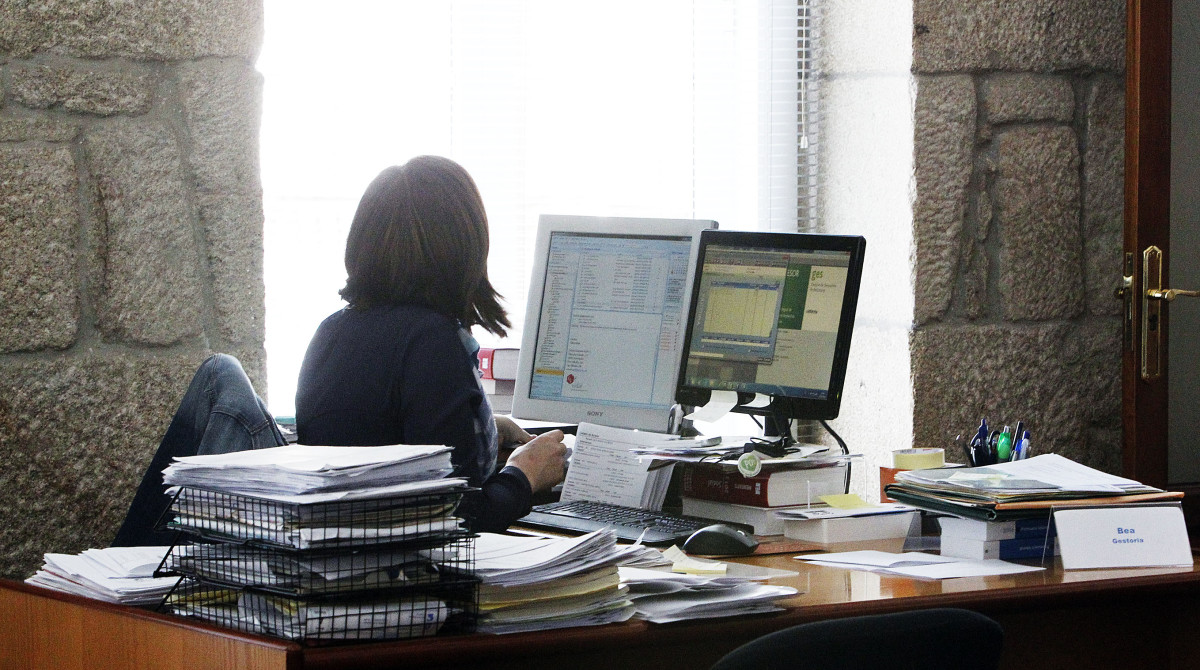 A xunta contrata a t cnicos para reforzar o servizo de for Oficina de empleo pontevedra
