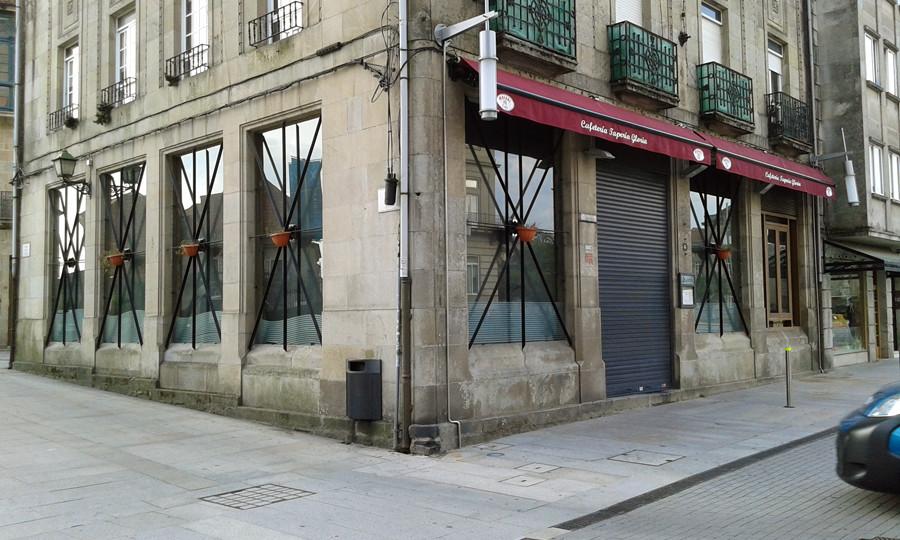 La caixa rural galega abrir una oficina en el local del for Oficinas la caixa lugo