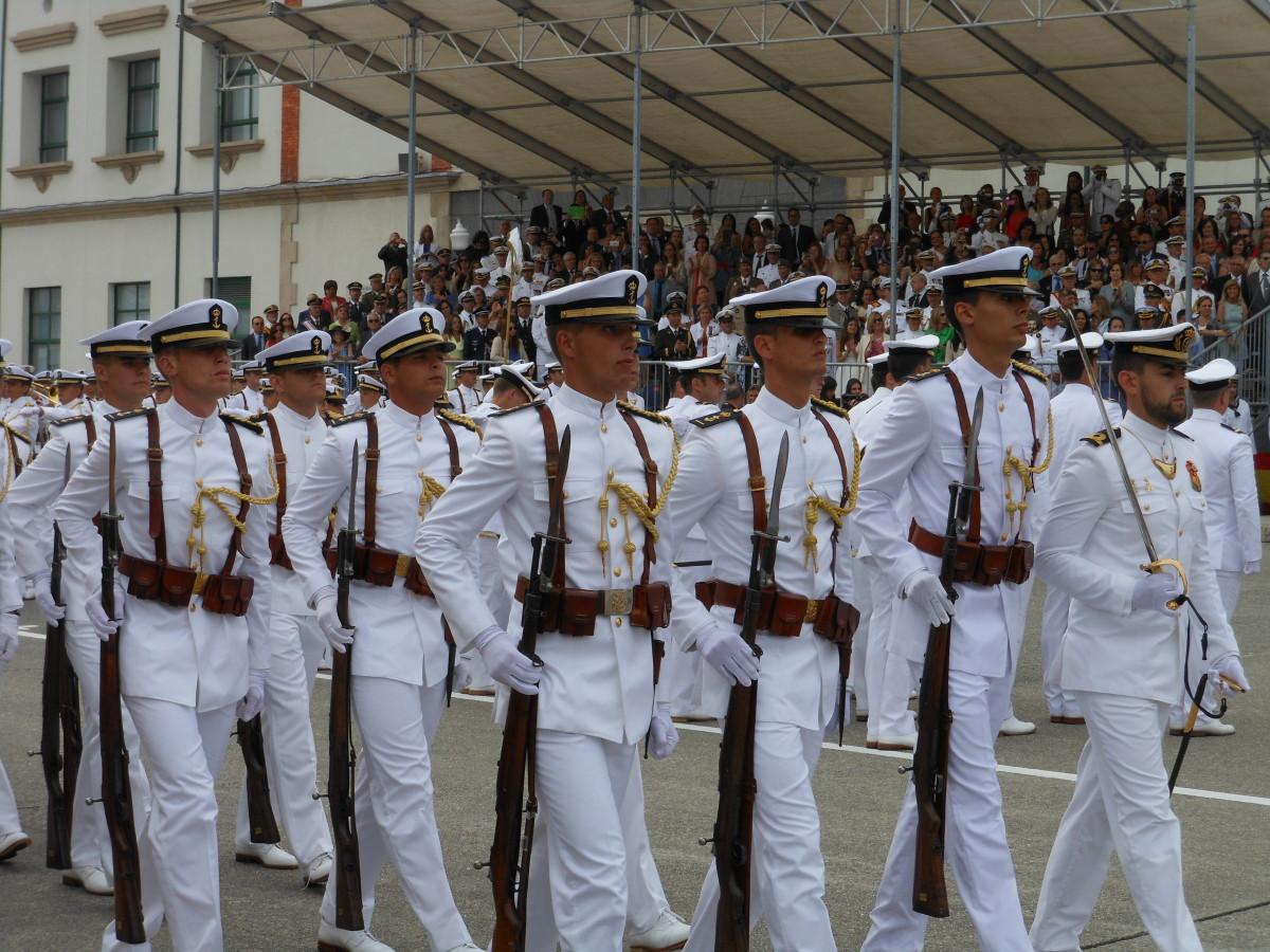 ===12 de Octubre dia de la Hispanidad=== 535f5f4db6-escuela-naval-021