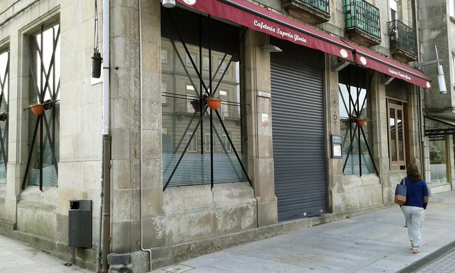 a caixa rural galega abrir unha oficina no local do bar