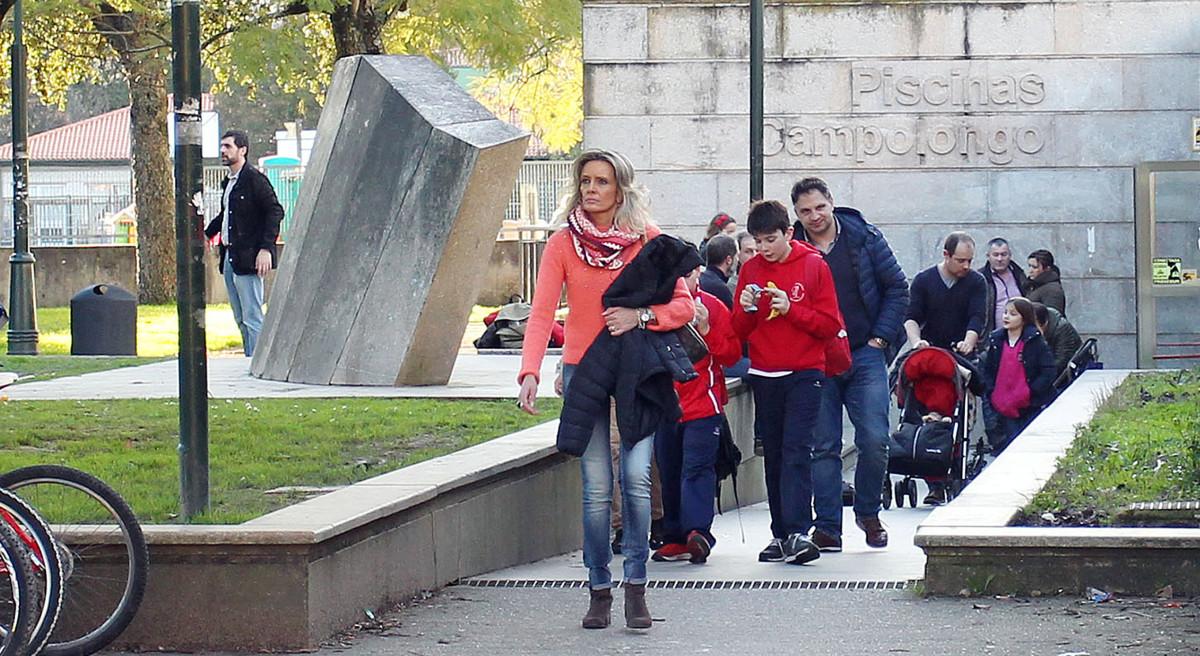 El concello prorrogar por novena vez el contrato de las for Piscina campolongo